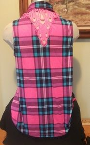 No Comment Tops - Sleeveless stylish & soft buttondown w/lace back